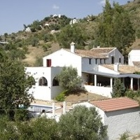bed and breakfast comares